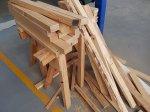 Rozmaite wykorzystanie drewna przy budynku